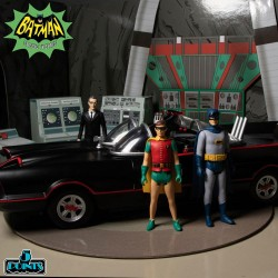 DC Core Statue Batman Gray Variant Exclusive Edition 26 cm PVC